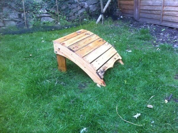 upcycled pallet adirondack footstool