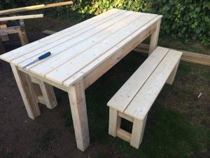 upcycled pallet patio table