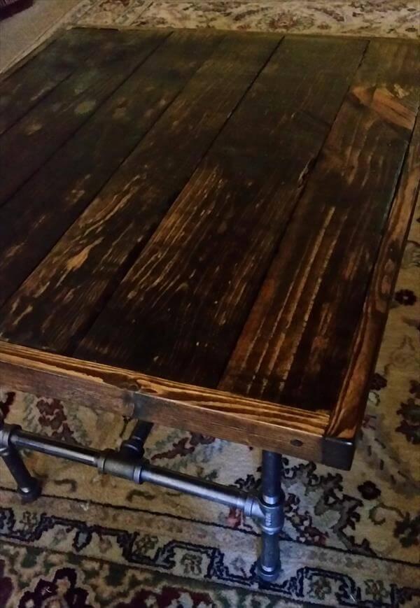 Diy Vintage Pallet End Table With Black Pipe Legs Pallet