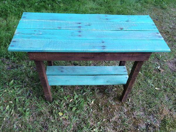 resurrected pallet side table
