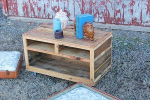 recycled pallet wood rolling coffee table