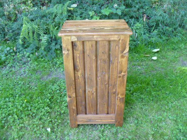 recycled pallet bookcase or end table