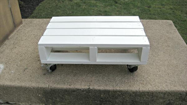 reclaimed white pallet coffee table with wheels