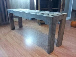 recycled pallet entryway bench