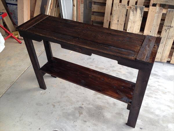 recycled pallet sofa and entry table