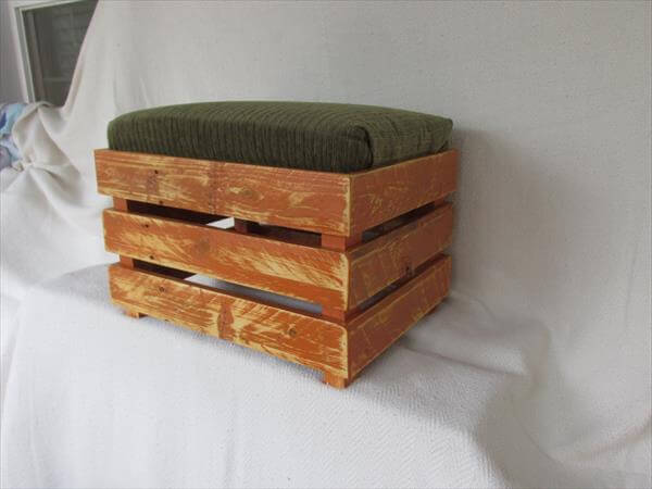 diy padded pallet ottoman and footstool