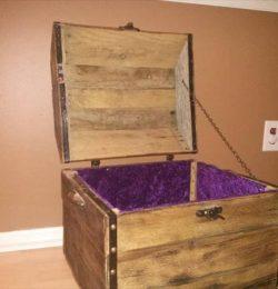 handmade pallet treasure chest and keepsake box