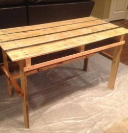 rustic yet modern pallet desk