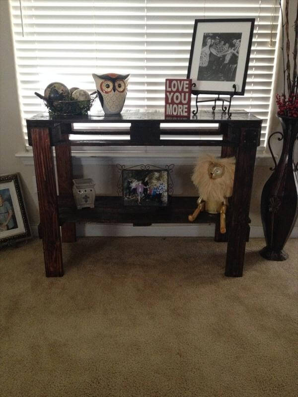 recycled pallet hallway and couch table