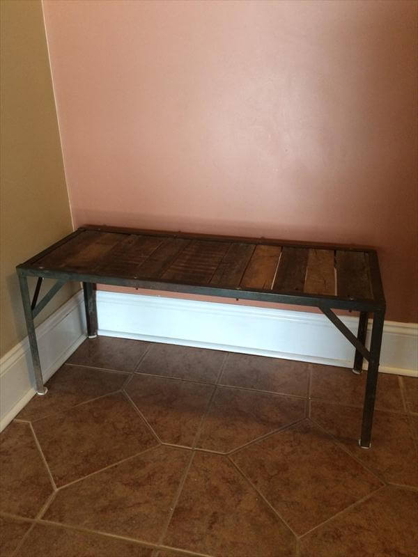 recycled pallet coffee table with metal base