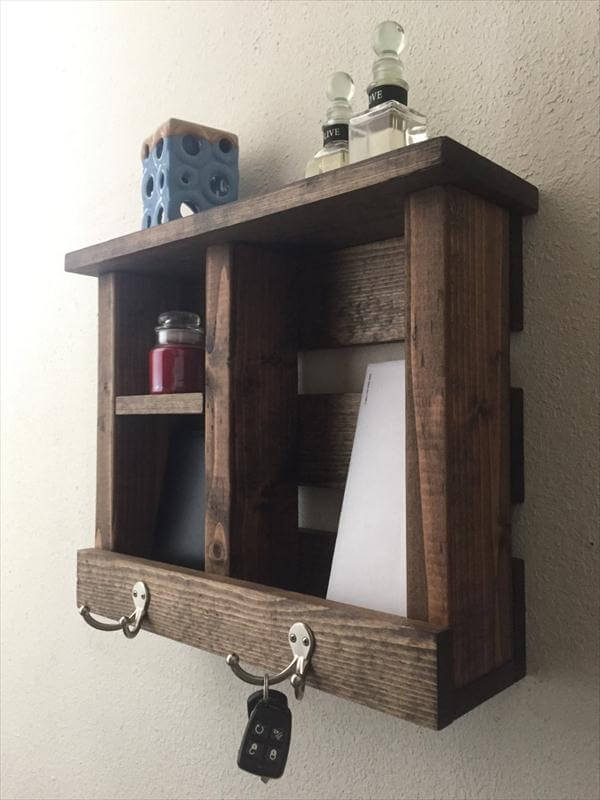 recycled pallet entryway organizer