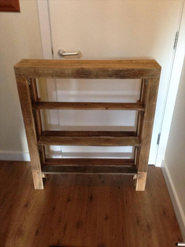 Diy reclaimed pallet wood shoe rack pallet furniture diy for Zapatero mueble easy