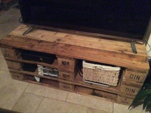diy pallet TV stand with shelving