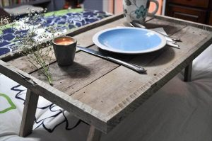 reclaimed weathered pallet tray