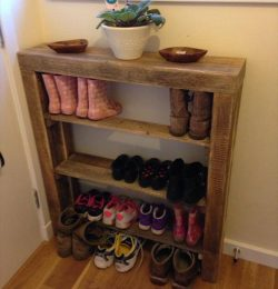 reclaimed pallet shoes rack