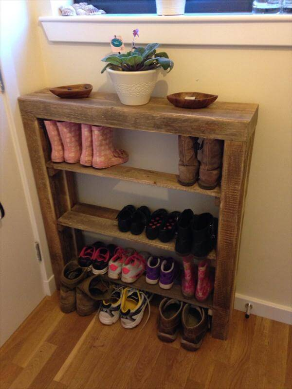 diy reclaimed pallet wood shoe rack pallet furniture diy. Black Bedroom Furniture Sets. Home Design Ideas