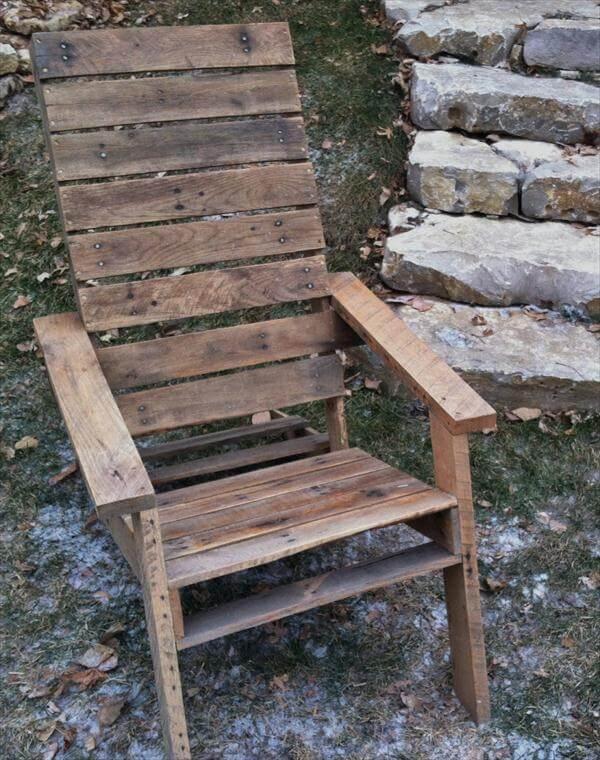 ultra rustic pallet Adirondack chair