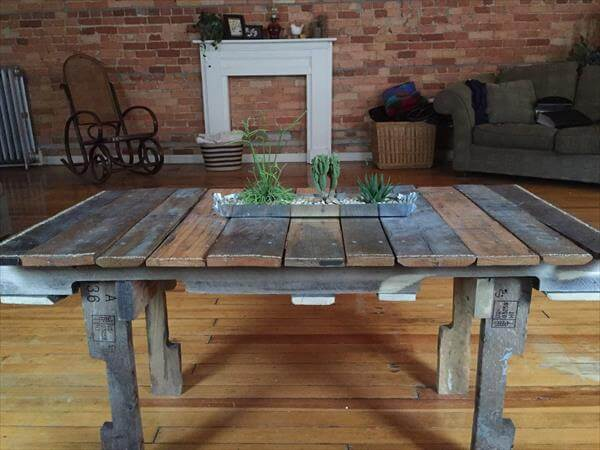 Patio Coffee Table With Wheels Reclaimed Pallet Unique Coffee Table