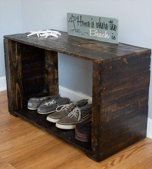 reclaimed pallet mudroom bench and shoes rack