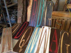 rustic pallet painted sings