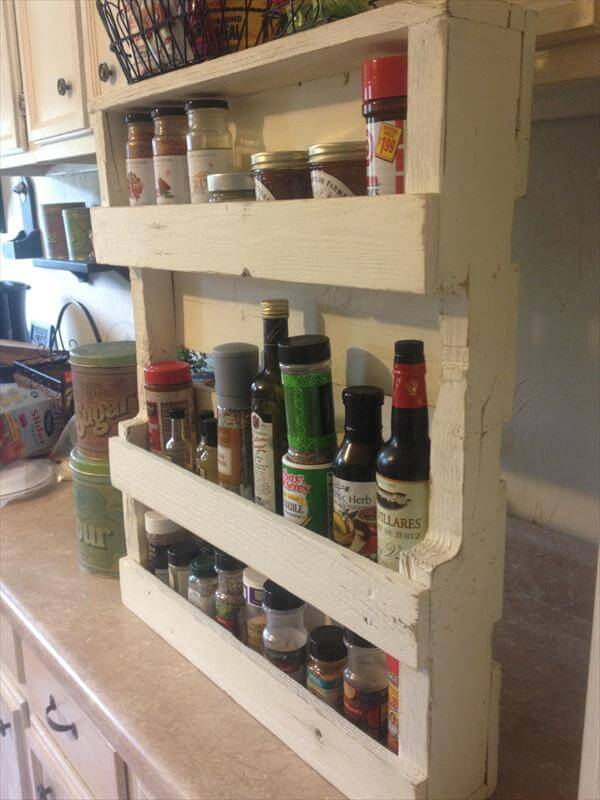 Pallet Spice Rack for Kitchen Pallet Furniture DIY : diy pallet kitchen spice rack from palletfurniturediy.com size 600 x 800 jpeg 54kB