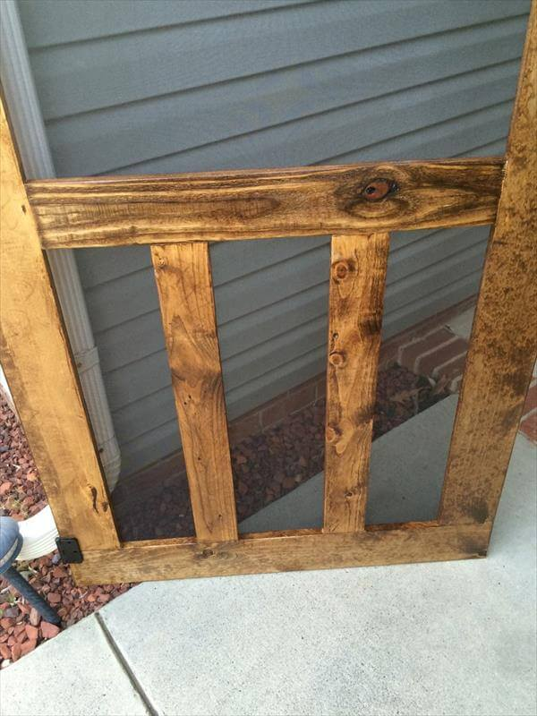 recycled pallet screen door