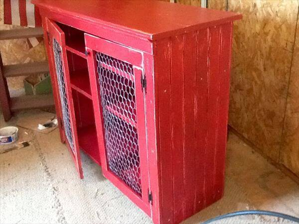 recycled pallet sideboard