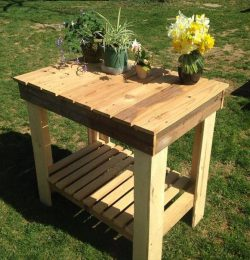 handmade pallet potting table