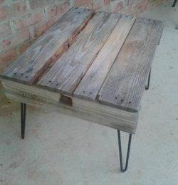 recycled pallet rustic coffee table with metal hairpin legs