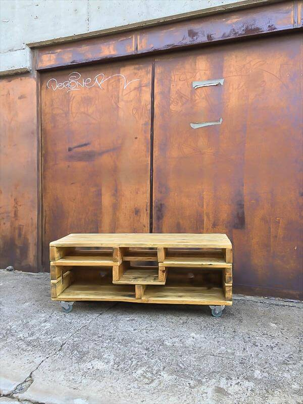 repurposed pallet media console table