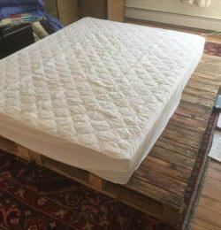 wooden pallet queen platform bed