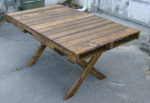 diy pallet dining table with criss cross legs