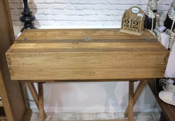 repurposed pallet campaign style desk
