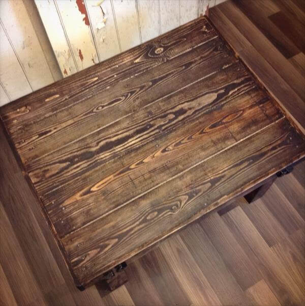 wooden pallet stained coffee table