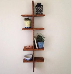 diy pallet knickknack shelf