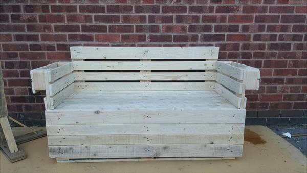 recycled pallet beefy 2 seater sofa