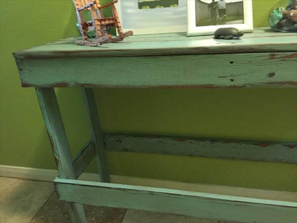 reclaimed pallet wood entryway table