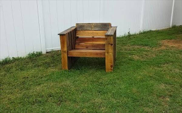 recycled pallet beefy outdoor chair