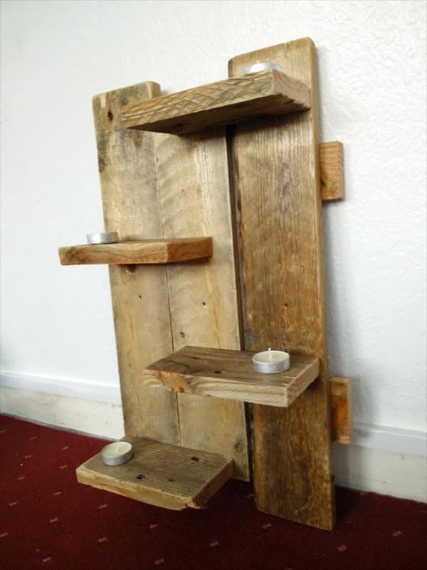 Wood pallet floating shelves pallet furniture diy for Pallet floating shelves