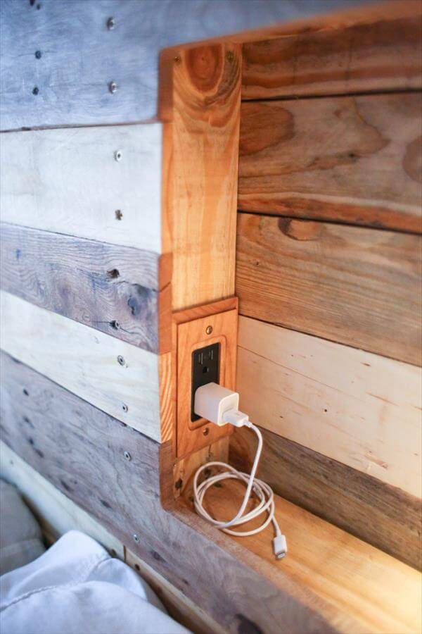 Pallet headboard with lighting pallet furniture diy for How to make a headboard out of pallets