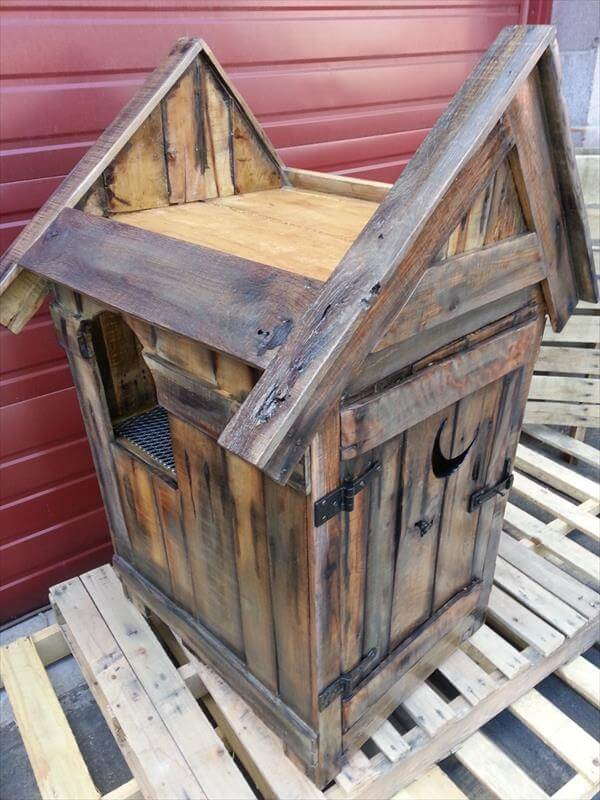 Pallet Outhouse Cat Litter Cabinet Pallet Furniture Diy