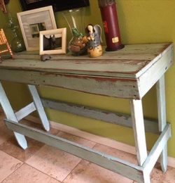 upcycled pallet distressed entryway table