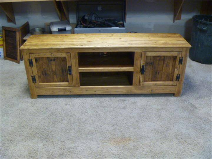 Repurposed pallet tv or media stand