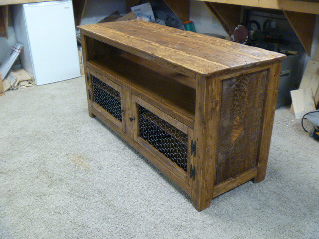 Recycled pallet rustic media stand