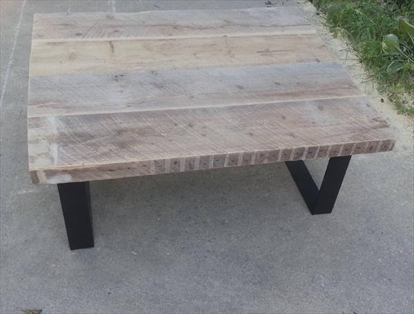 Recycled pallet coffee table with steel legs
