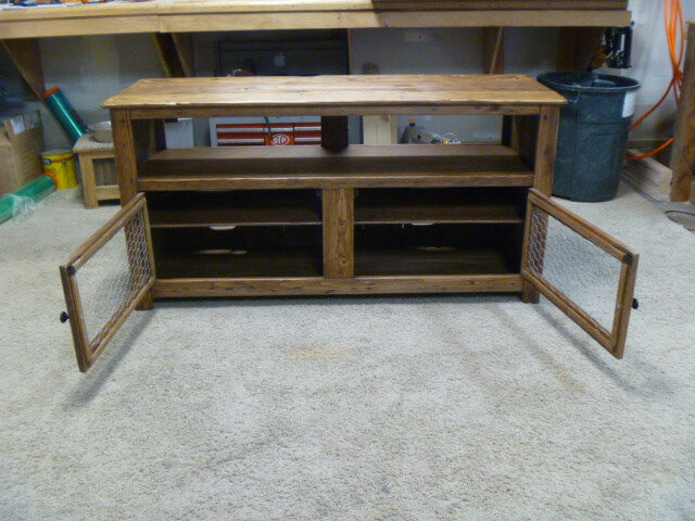 Reclaimed pallet rustic media stand