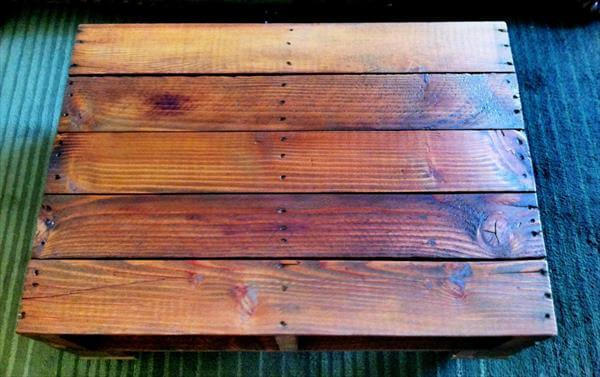 recycled pallet coffee table with storage and wheels