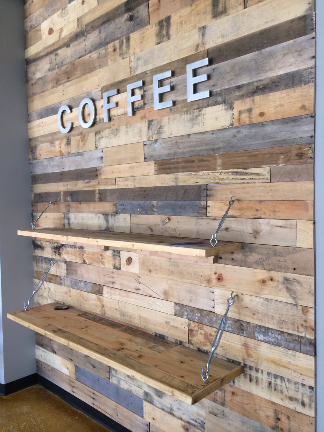 Wood Pallet Accent Wall | Pallet Furniture DIY on Pallet Design  id=77664