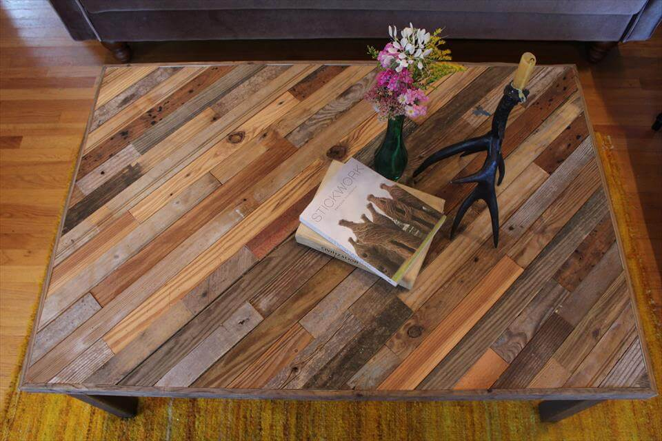 ... Pallet And Barn Wood Coffee Table Furniture Diy ...