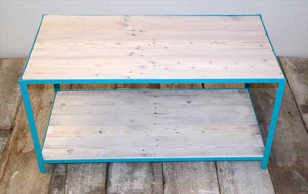 wooden pallet coffee table with steel base